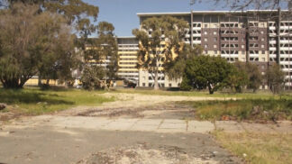 photo of brownie towers, an Australian social housing project due to be torn down