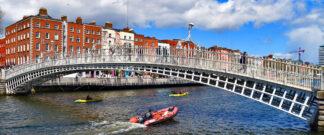 Image of the Ha'penny Bridge across the River Liffey in Dublin