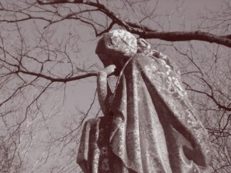 image of a statue of a person thinking