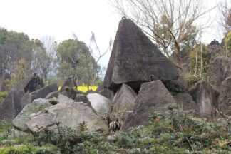 yard filled with 25,000 kg four sized pyramids