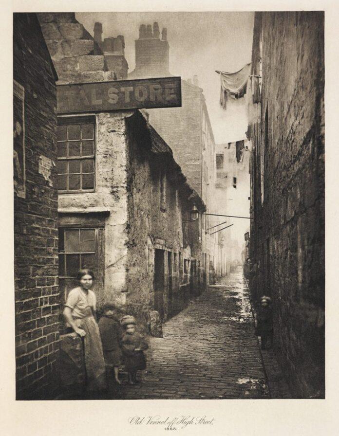 slum housing victorian England