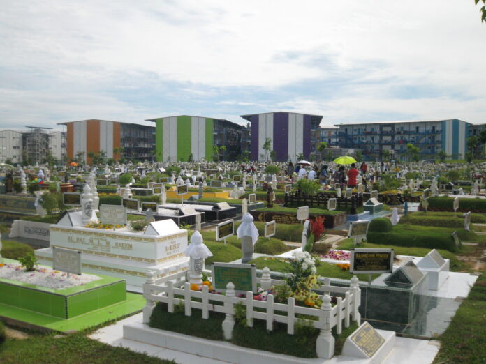 cemetery and workers' housing in Singapore